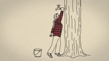 Duluth Trading Women's Flannel TV Spot, 'Hugging a Tree' - Thumbnail 4