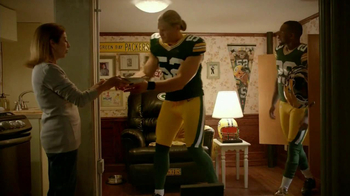Campbell's Chunky New England Clam Chowder TV Spot Feat. Clay Matthews,  - Thumbnail 4