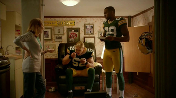 Campbell's Chunky New England Clam Chowder TV Spot Feat. Clay Matthews,  - Thumbnail 9