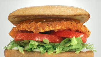 Sonic Drive-In Spicy Chicken Sandwiches TV Spot, 'Sabor' [Spanish] - Thumbnail 4
