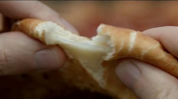 Pizza Hut 3 Cheese Stuffed Crust TV Spot, 'Stuffed Turkey' - Thumbnail 7