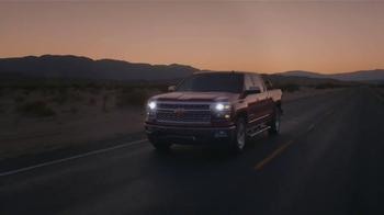 2014 Chevrolet Silverado TV Spot, 'Un Hombre: Banda' [Spanish] - Thumbnail 2