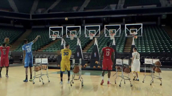 NBA Store TV Spot, 'Jingle Hoops' - Thumbnail 8