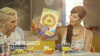Honey Bunches of Oats TV Spot, 'Bunch of Beats' Con Domino Saints [Spanish] - Thumbnail 1
