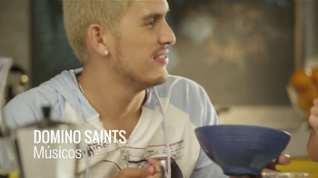 Honey Bunches of Oats TV Spot, 'Bunch of Beats' Con Domino Saints [Spanish] - Thumbnail 2