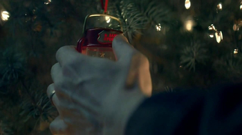 Hallmark Santa Signal Ornament TV Spot - Thumbnail 7
