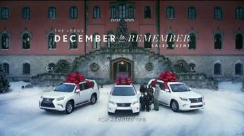 Lexus December to Remember TV Spot, 'Bow Craftsmanship' - Thumbnail 9