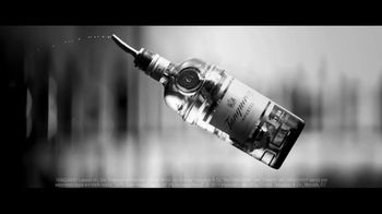 Tanqueray Gin TV Spot, 'Tonight' Song by Aloe Blacc - Thumbnail 2