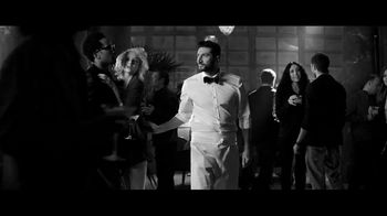 Tanqueray Gin TV Spot, 'Tonight' Song by Aloe Blacc - Thumbnail 9