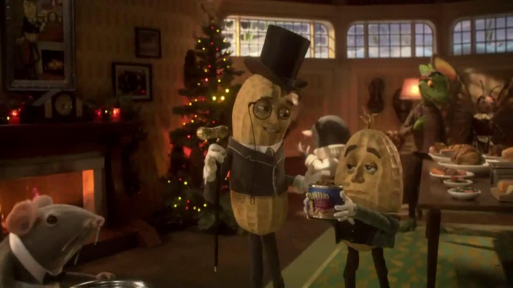 Christmas Planters Peanuts.Planters Deluxe Mixed Nuts Tv Commercial Mr Peanut Throws A Holiday Party Video