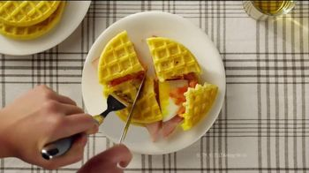 Eggo Homestyle Waffles TV Spot, 'Toppings' - Thumbnail 4