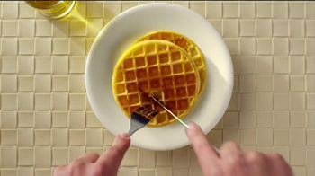 Eggo Homestyle Waffles TV Spot, 'Toppings' - Thumbnail 7