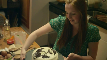 Nestle Toll House TV Spot, 'Bake Some Love' - Thumbnail 9