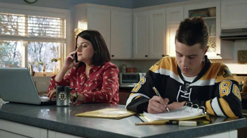 Discover Card Cash Back TV Spot, 'NHL Hats' - Thumbnail 1