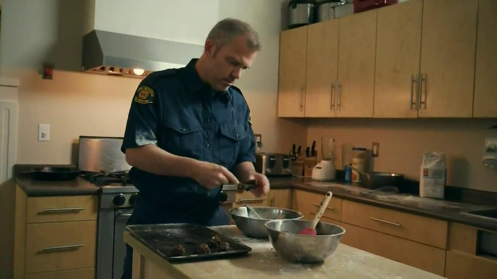 Nestle Toll House TV Commercial, 'Firefighters'