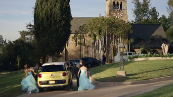 FIAT 500L TV Spot, 'Wedding' - Thumbnail 8