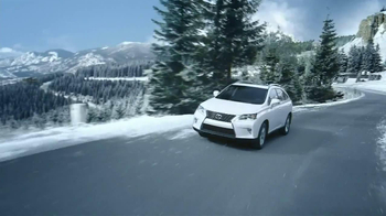 Lexus December to Remember TV Spot, 'Bow Craftsmanship' - Thumbnail 4