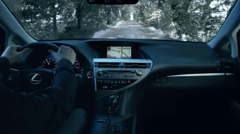 Lexus December to Remember TV Spot, 'Bow Craftsmanship' - Thumbnail 6