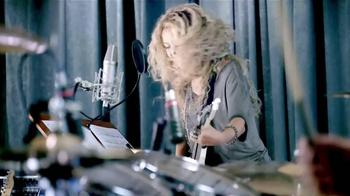 Crest 3D White Toothpaste TV Spot, 'Blanca' Con Shakira [Spanish] - Thumbnail 6