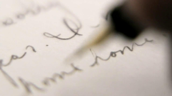 Edible Arrangements TV Spot, 'When Words Fail, Send the Best Gift Ever' - Thumbnail 4