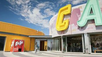 KitKat TV Spot, 'Carnival Photo Booth' - Thumbnail 1