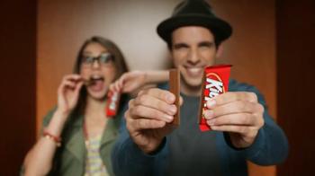 KitKat TV Spot, 'Carnival Photo Booth' - Thumbnail 4