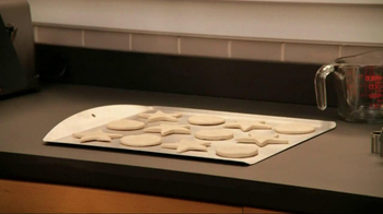 Reynolds Parchment Paper TV Spot, 'Christmas Cookies' - Thumbnail 4