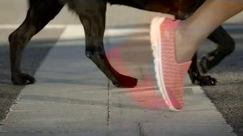 Skechers GoWalk 2 TV Spot, 'Dogs' - Thumbnail 8