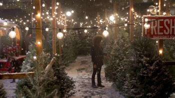 Ben Bridge Jeweler TV Spot, 'Tree Lot' - Thumbnail 4