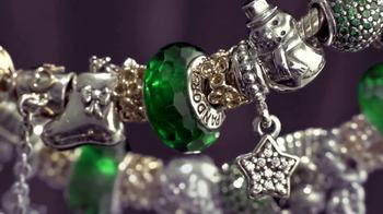 Ben Bridge Jeweler TV Spot, 'Tree Lot' - Thumbnail 9