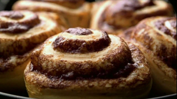 Pillsbury Grands! Cinnabon Cinnamon Rolls TV Spot, 'Video Games' - Thumbnail 6