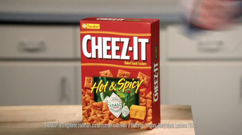 Cheez-It Hot & Spicy TV Spot, 'Fire' - Thumbnail 3