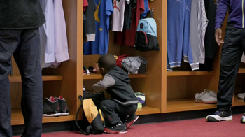 Kids Foot Locker TV Spot, 'Locker' Ft. Blake Griffin, Chris Paul - Thumbnail 4