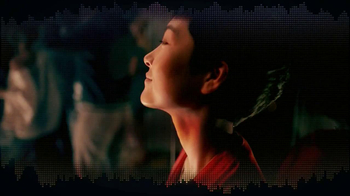 JBL Pulse TV Spot, Song by Charli XCX - Thumbnail 8