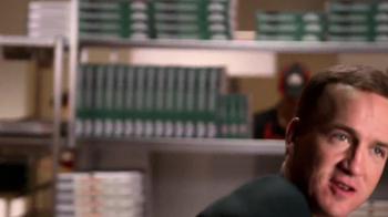 Papa John's TV Spot, 'Tossing the Dough' Featuring Peyton Manning - Thumbnail 5