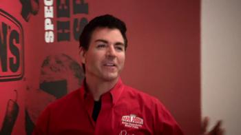 Papa John's TV Spot, 'Tossing the Dough' Featuring Peyton Manning - Thumbnail 6