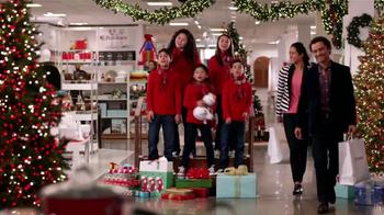 JCPenney TV Spot, 'Coro Navideño' [Spanish] - Thumbnail 2
