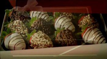 Shari's Berries TV Spot, 'Unique Christmas Gift' - Thumbnail 2
