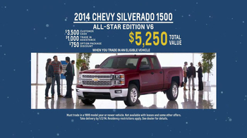 2014 Chevrolet Silverado 1500 TV Spot, 'Santa Salesman' - Thumbnail 10
