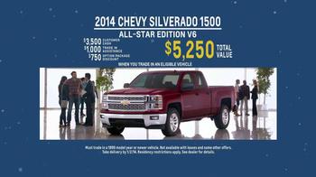 2014 Chevrolet Silverado 1500 TV Spot, 'Santa Salesman' - Thumbnail 9