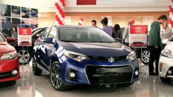 Toyota Toyotathon TV Spot, 'Los Novios' [Spanish] - Thumbnail 5