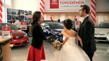 Toyota Toyotathon TV Spot, 'Los Novios' [Spanish] - Thumbnail 6