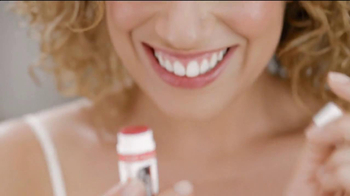 Palmer's Cocoa Butter Formula Lip Balm TV Spot, 'Feel Special' - Thumbnail 3