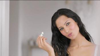 Palmer's Cocoa Butter Formula Lip Balm TV Spot, 'Feel Special' - Thumbnail 5