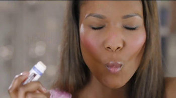 Palmer's Cocoa Butter Formula Lip Balm TV Spot, 'Feel Special' - Thumbnail 7