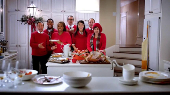 JCPenney Black Friday TV Spot, 'Jingle More Bells' - Thumbnail 4