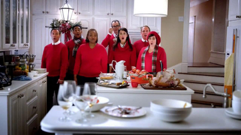 JCPenney Black Friday TV Spot, 'Jingle More Bells' - Thumbnail 9