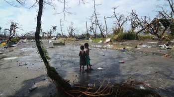 UNICEF USA TV Spot Featuring Hailee Steinfeld - Thumbnail 5