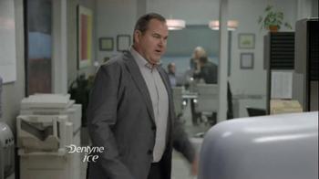 Dentyne Ice TV Spot, 'Something in Your Teeth' - Thumbnail 3