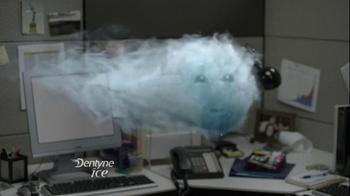 Dentyne Ice TV Spot, 'Something in Your Teeth' - Thumbnail 7